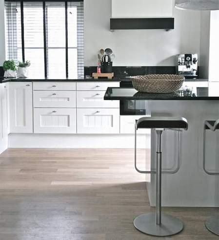 STEPENIK - Crno bele kuhinje