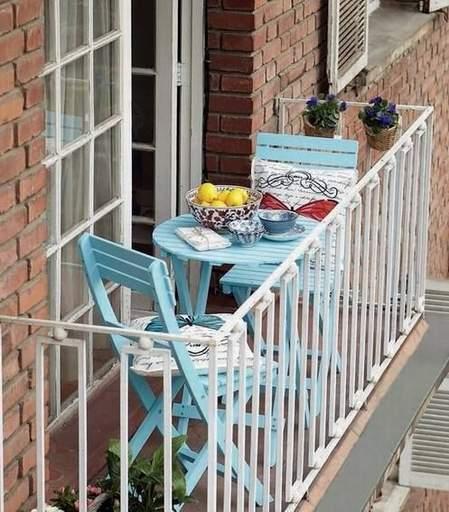 mala terasa dovoljna za sklopive stolice