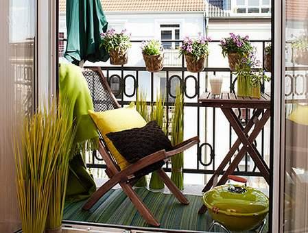 sklopivi nameštaj je idealan za uređenje male terase
