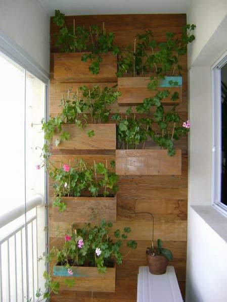 vertikalni vrt na balkonu